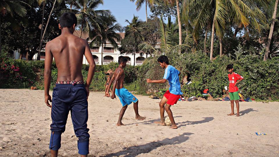 UME01684x960px Volunteer team India