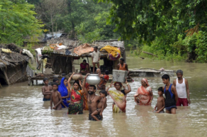 Kerala floods kill more than 164 people and impact hundreds of thousands.